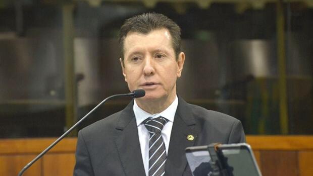 """Deputado diz que Zé Nelto defende união das oposições para ser """"carregado por Jorge Kajuru"""""""