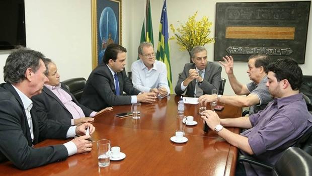 Roberto Naves assina convênio de R$ 10 milhões com o governo estadual