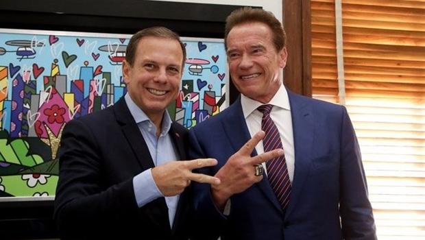 Em SP, Arnold Schwarzenegger participa de reunião com Doria para discutir energia renovável