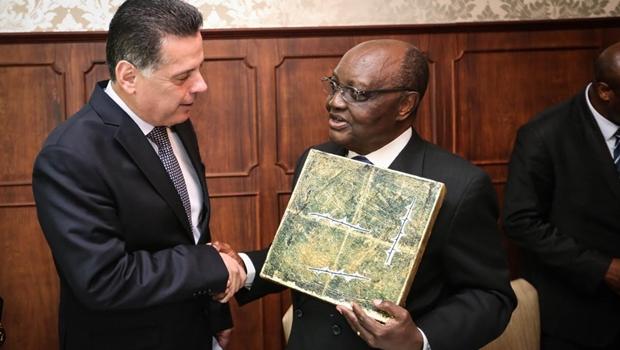Marconi recebe Embaixador do Congo com o intuitode fortalecer relações comerciais e culturais