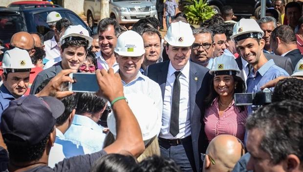 Marconi viabiliza verba para obra em Novo Gama
