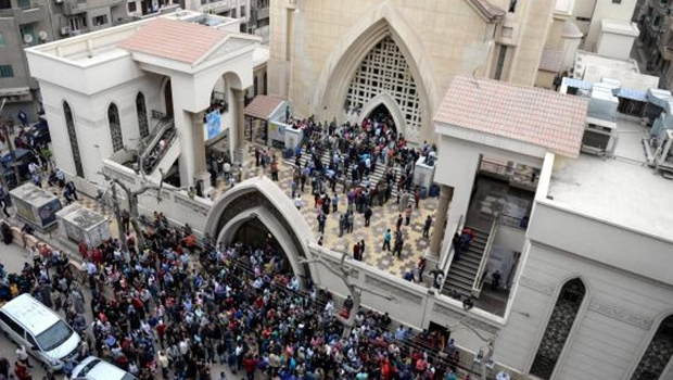 Estado Islâmico ataca igrejas no Egito e mata 36