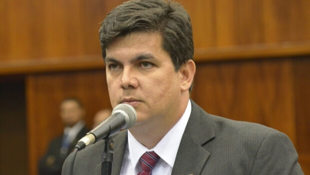 Deputado quer audiência pública para discutir expediente de tabeliães