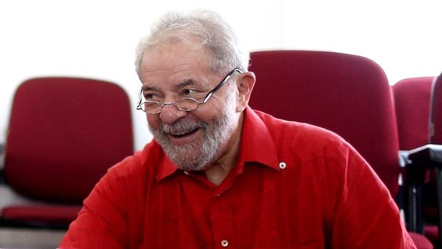Após Haddad apostar na reversão de pena contra Lula, Moro bloqueia bens do ex-presidente