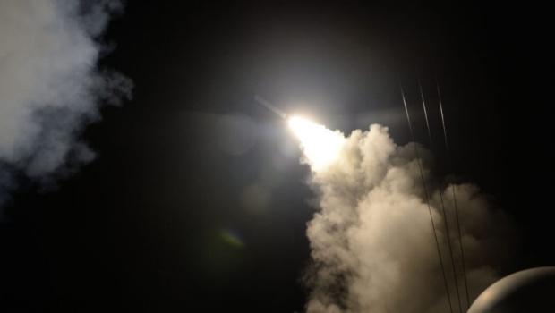 """Irã diz ter artefato com 10 toneladas, chamado de """"pai de todas as bombas"""""""