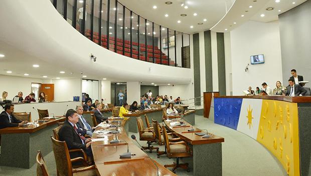Assembleia debate seu papel de fiscalizadora