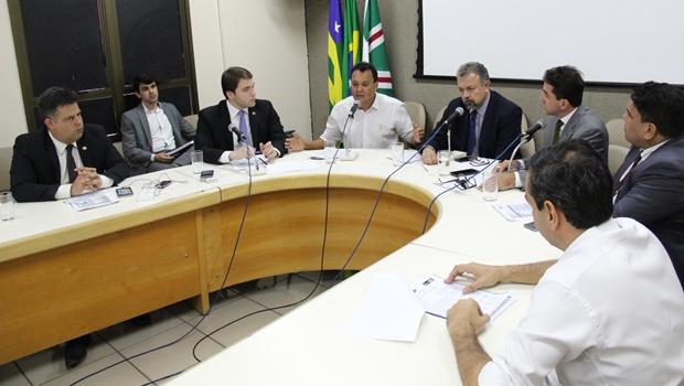 CEI identifica mais irregularidades no contrato entre prefeitura e empresa que operou fotossensores