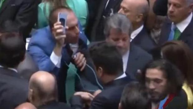 Conselho de Ética abre processos contra Eduardo Bolsonaro por ofensas a Jean Wyllys