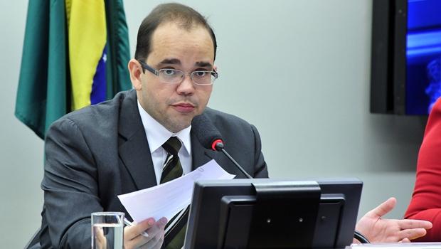 Deputado goiano contraria decisão do PSDB e reitera voto contra reforma da Previdência
