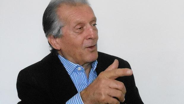Felisberto Jacomo diz que não entende porque Caiado não discute o tema educação