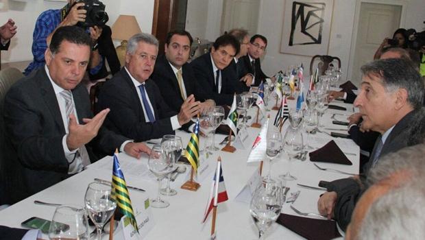 Governadores de todo Brasil se unem para criar fórum de desenvolvimento