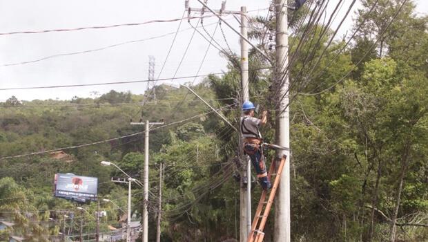 Projeto proíbe cobrança de taxa de religação de água e energia