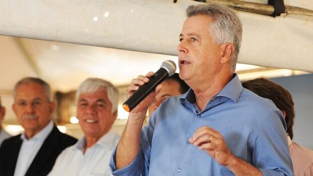 Rollemberg troca Delmasso por Agaciel Maia na liderança do governo
