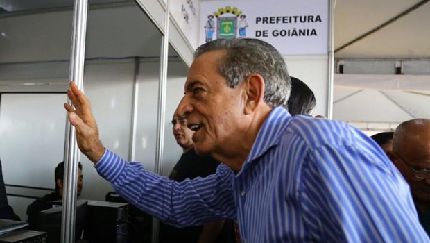 Kajuru denuncia que Iris já tem R$ 1 bilhão em caixa e vereadores se revoltam
