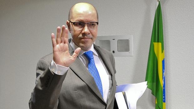 Demóstenes Torres vai pedir ao Senado que devolva seu mandato na terça-feira