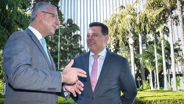 Prefeito de Santa Maria visita Goiás para conhecer gestão por OSs