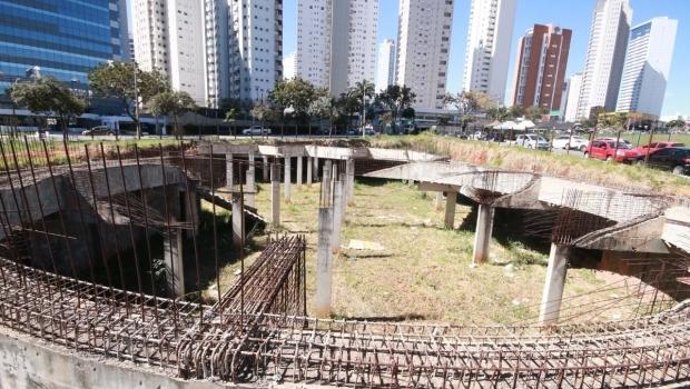 Anunciada para abril, retomada das obras da Casa de Vidro está sem data para acontecer