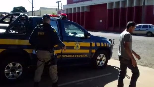 Caminhoneiro é preso após confessar ter bebido três doses de pinga e oito cervejas