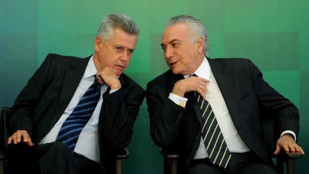 """Governador do DF demite auxiliar que pediu """"Fora, Temer"""" em entrevista à Globo"""