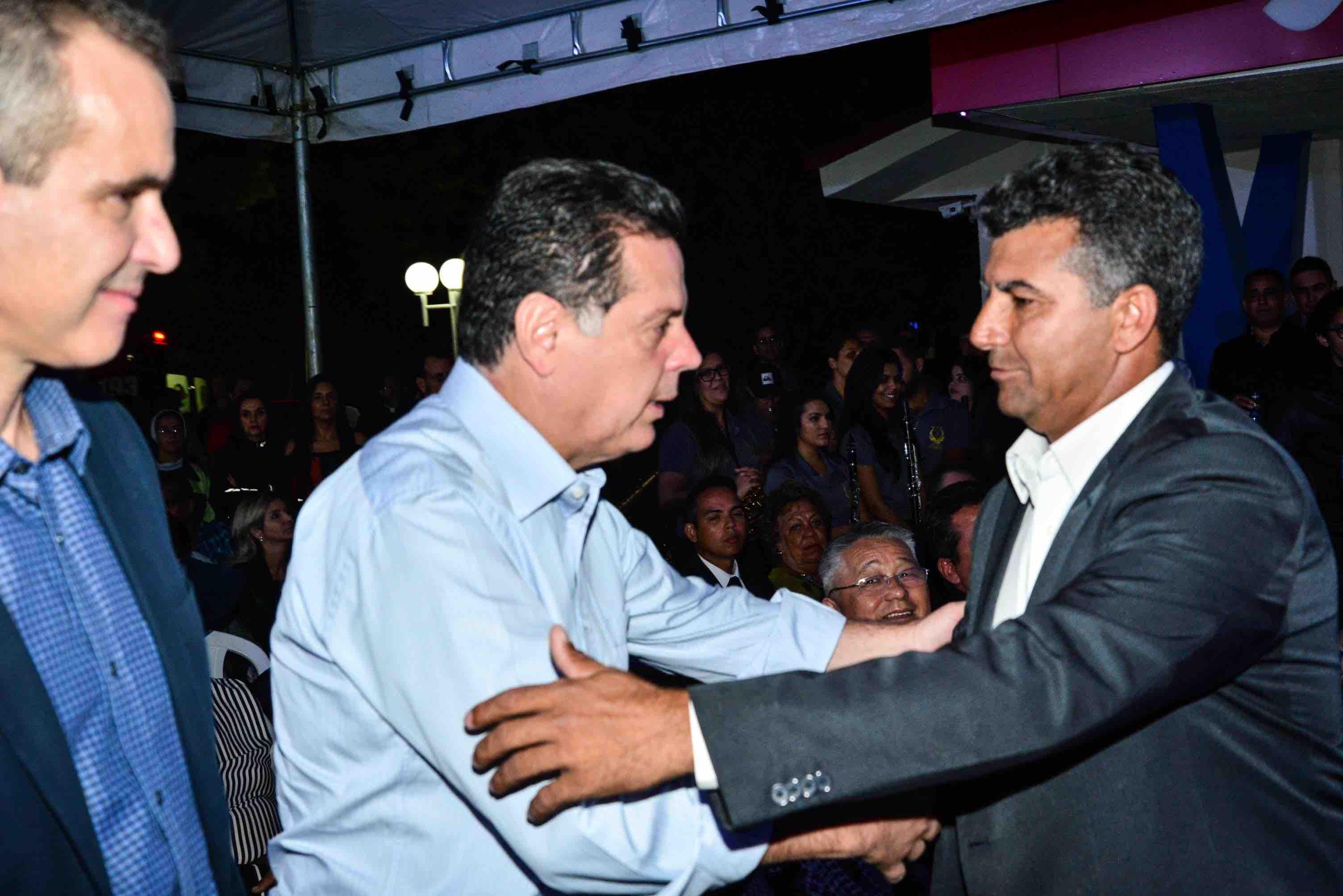 Prefeito de Pirenópolis não vai à reunião de Caiado em Jaraguá e aproxima-se da base de Marconi