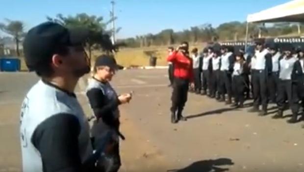 Paródia de 'Despacito' gravada em curso para agentes penitenciários causa polêmica