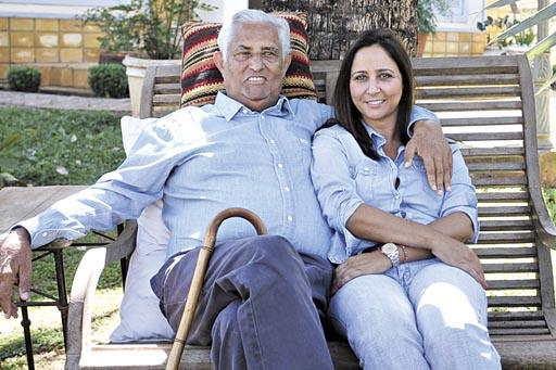 Ex-governador Joaquim Roriz tem perna amputada