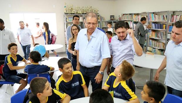 Governador entrega obras viárias e ampliação de escola em Barrolândia