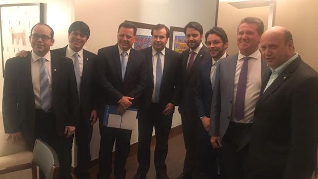 Em Brasília, Maia recebe Marconi em jantar com 20 deputados