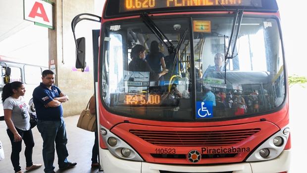 Para liberar ônibus no DF, servidores faturaram R$ 200 mil com propina
