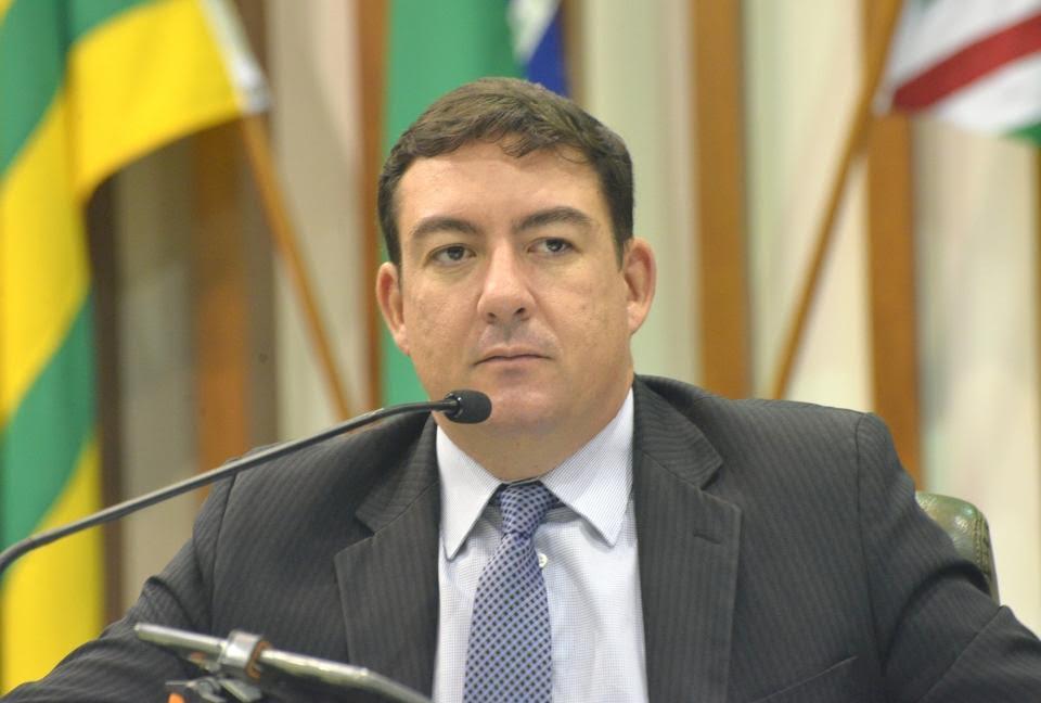 José Vitti surpreende, pela firmeza e diplomacia, deputados da situação e da oposição