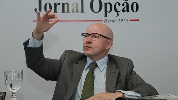 """""""O Brasil se tornou uma  balbúrdia pela confusão de competências entre suas instituições"""""""