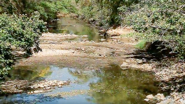 Vazão do Rio Meia Ponte fica abaixo de 12 mil litros por segundo e acende alerta