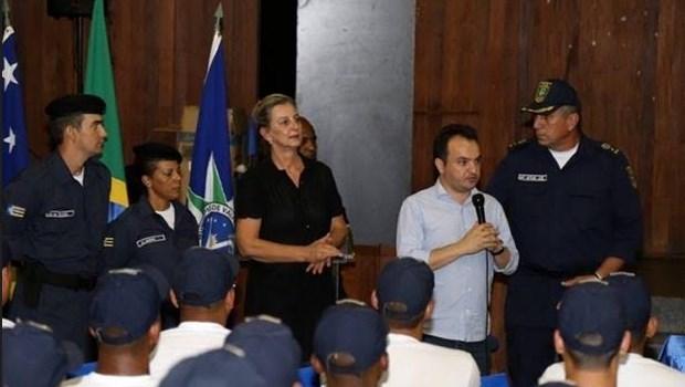 Guarda Municipal de Valparaíso de Goiás recebe uniformes