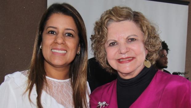 Senadora Lúcia Vânia elogia trabalho de Aleandra Sousa