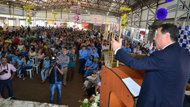 Marconi prestigia 1º Festival da Cachaça e diz que produto fará cidade goiana conhecida mundialmente