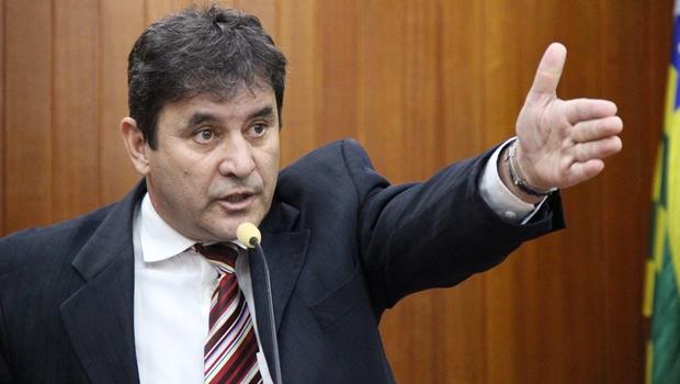 Aliado de Iris propõe comissão para investigar caos na Saúde de Goiânia