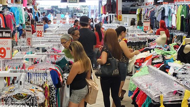 Comércios e shoppings vão reabrir dia 6 de junho; lojas da 44 devem aguardar até dia 13