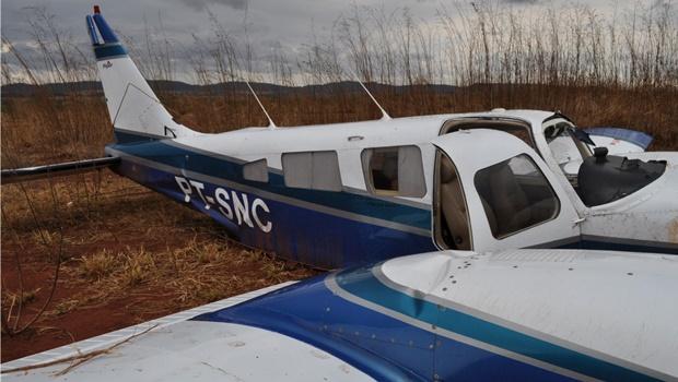 Avião com presidente da Faeg sai da pista ao pousar em São Luis dos Montes Belos