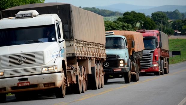 Estado decreta restrição de caminhões em rodovias durante festas de fim de ano