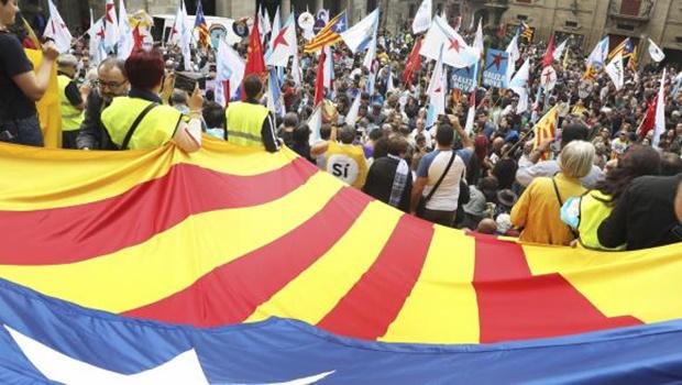 França e Alemanha rejeitam independência da Catalunha