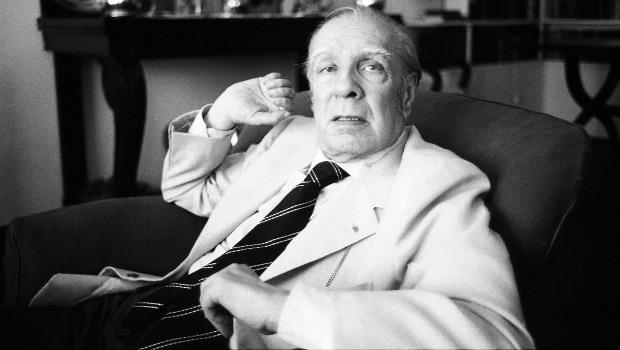 Borges diz que poemas de amor de Neruda são fracos e afirma que Gabriela Mistral era medíocre