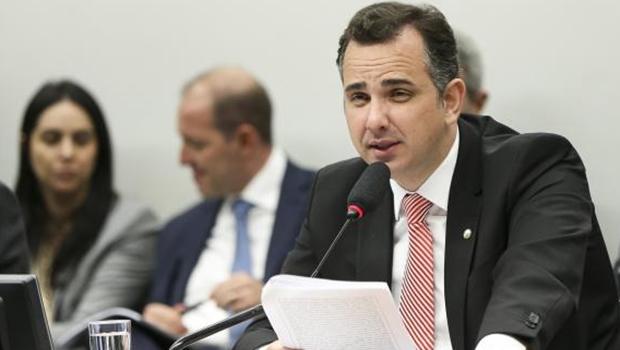 Presidente da CCJ pede mais prazo para votação da denúncia contra Temer