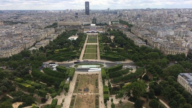 Paris quer proibir carros a gasolina e a diesel até 2030