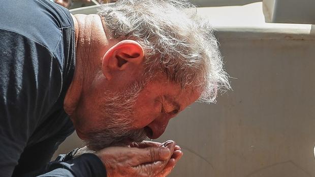 Maioria dos brasileiros acredita que Lula será condenado, mas não preso