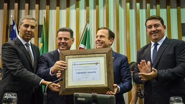 João Doria recebe título de cidadão goiano e elogia trabalho de Marconi