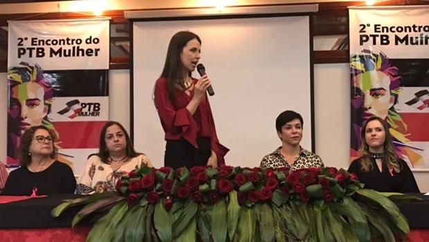 """""""Mulheres precisam acreditar que são capazes de assumir o poder"""", diz prefeita"""