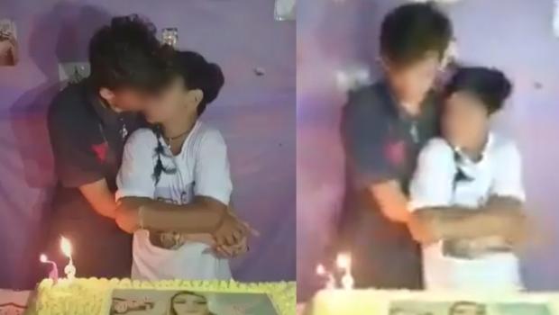 Menino de 13 anos beija namorado em festa de aniversário e gera polêmica na web. Veja vídeo