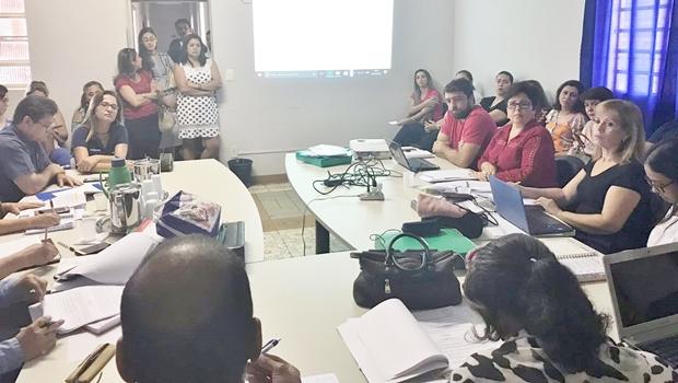 Após derrota, SME apresenta regulamento para eleição de diretores