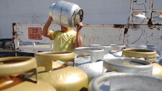Preço do gás de cozinha cai 5% nas refinarias a partir de sexta-feira (19)
