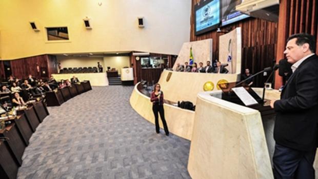 Marconi conhece projeto Parlamento Universitário, e é sabatinado por estudantes do Paraná
